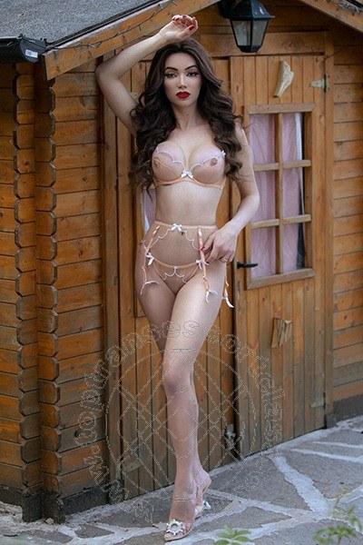 Vanessa Hilton  PRATO 3245846577